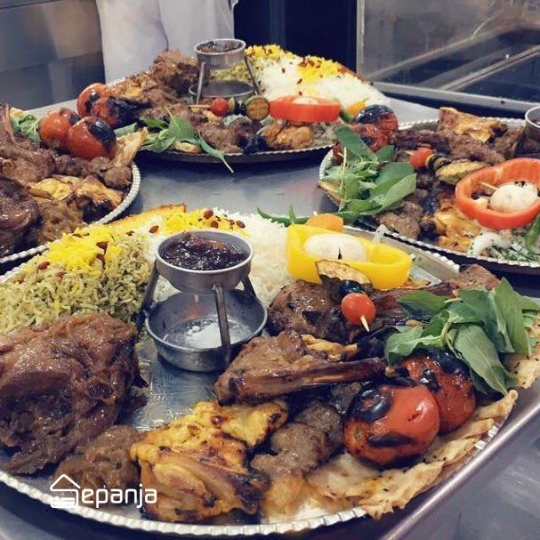 سینی غذا در رستوران هفت خوان