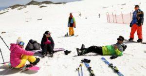 برف بازی در سپیدان