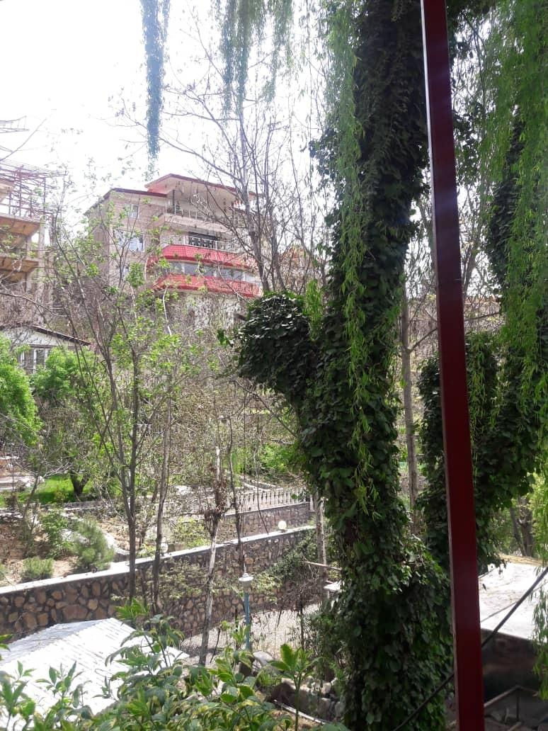 حومه شهر باغ و ویلا استخردار شیک و تمیز در کردان کرج