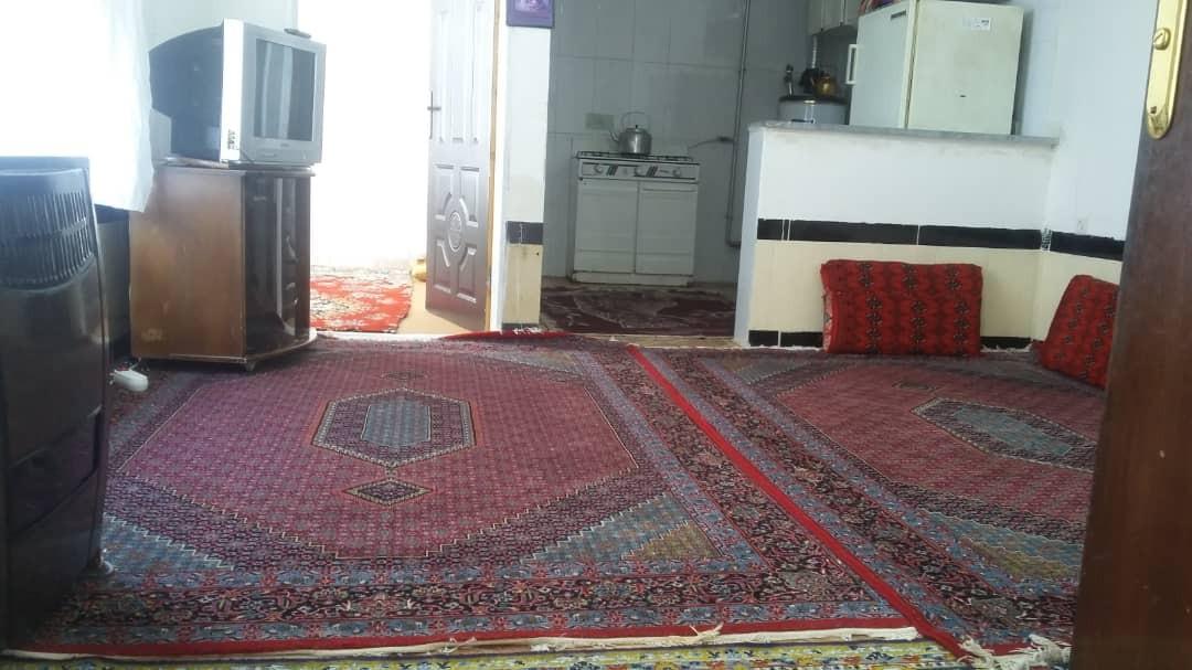 حومه شهر خانه اجاره ای تک خوابه در اورامان کردستان - طاهری
