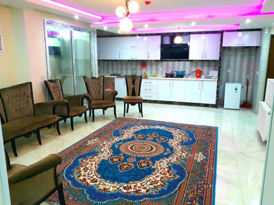 درون شهری آپارتمان مبله دربست در میدان احمد آباد اصفهان