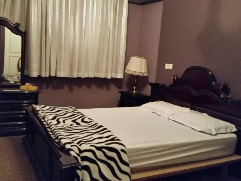درون شهری آپارتمان 2 خوابه طبقه اول