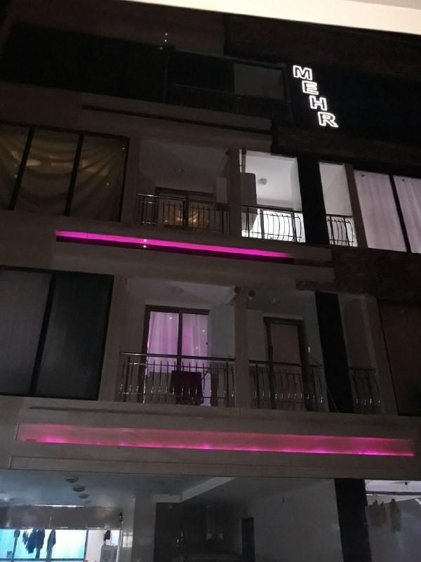 درون شهری آپارتمان 2 خوابه باهنر 8