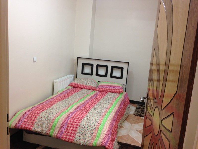 درون شهری آپارتمان 2 خوابه باهنر 9