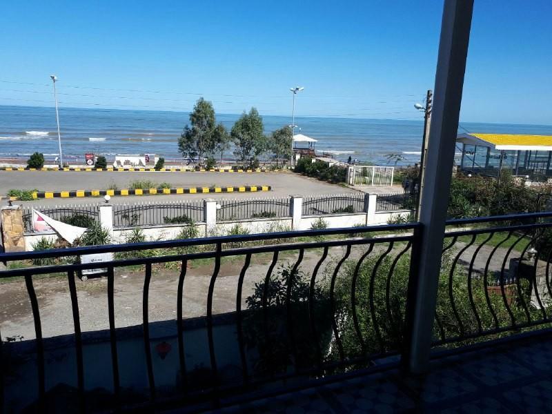 ساحلی آپارتمان ساحلی روبه دریا در میدان رجایی رامسر -حسنی 2