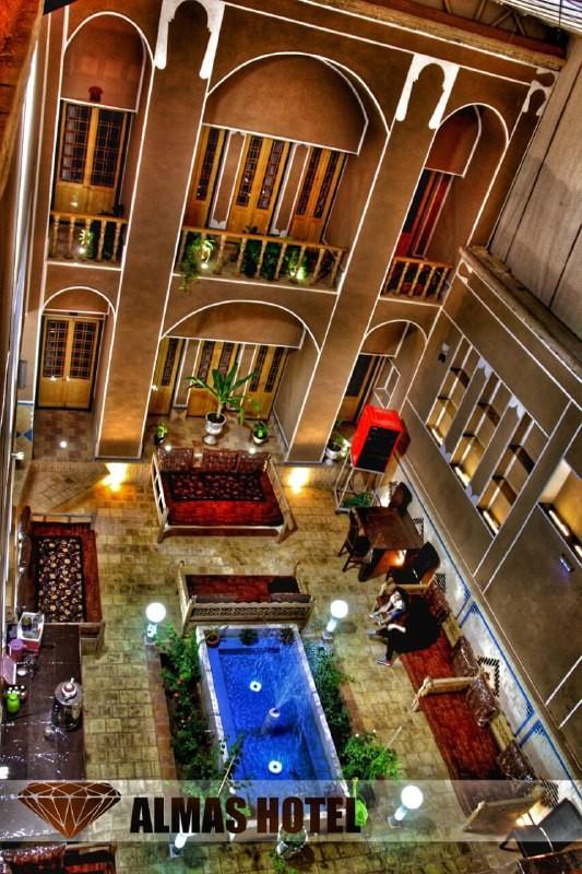 درون شهری الماس یزد  اتاق 106