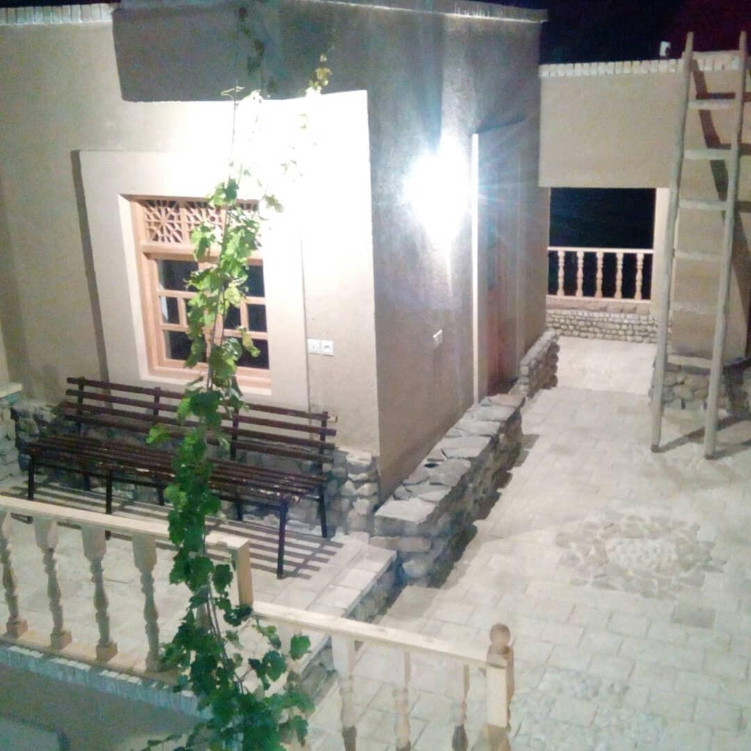 بوم گردی قلعه مهرتوران1