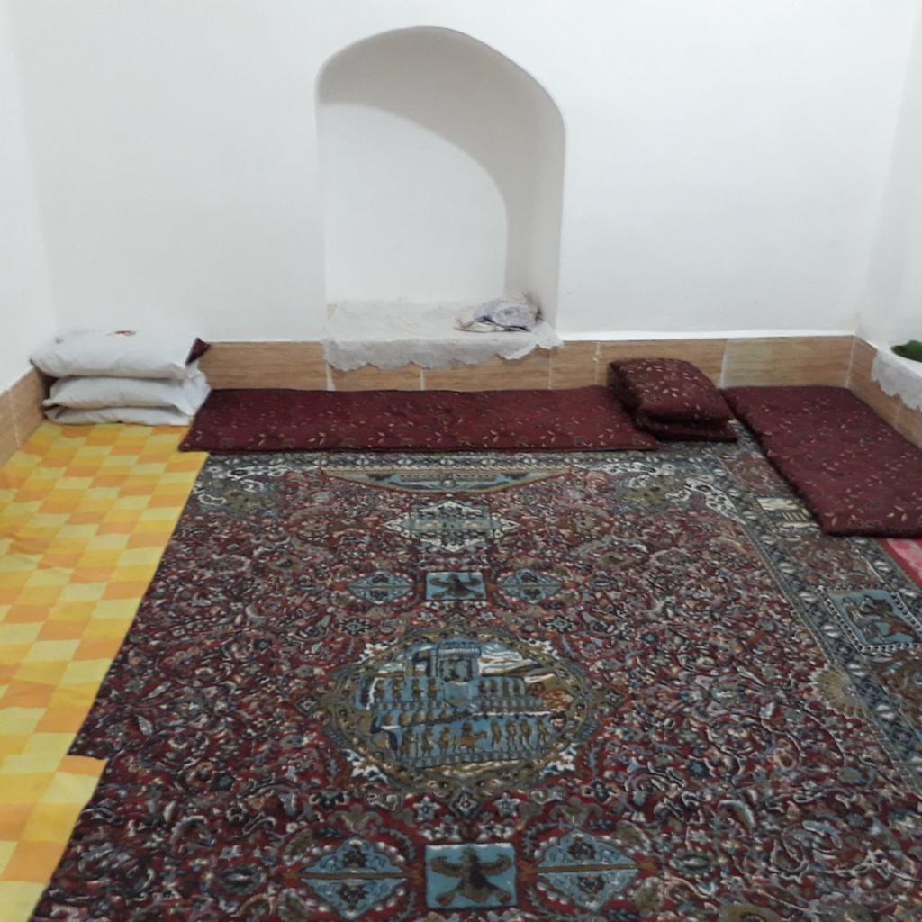 بوم گردی خانه سنتی در اختیار آباد - باغچه نوروز1