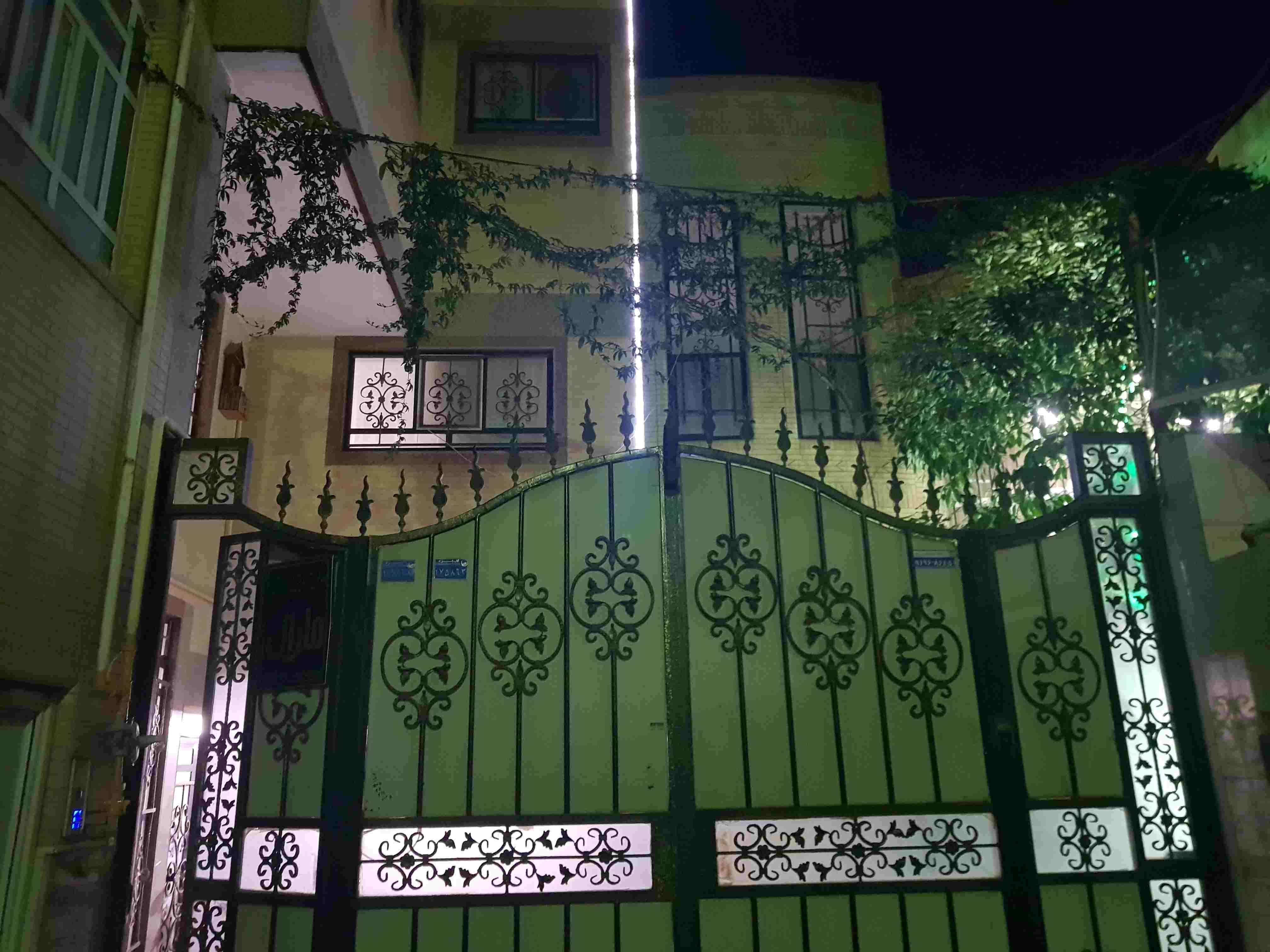 درون شهری  منزل مبله لوکس در یزد - گلد