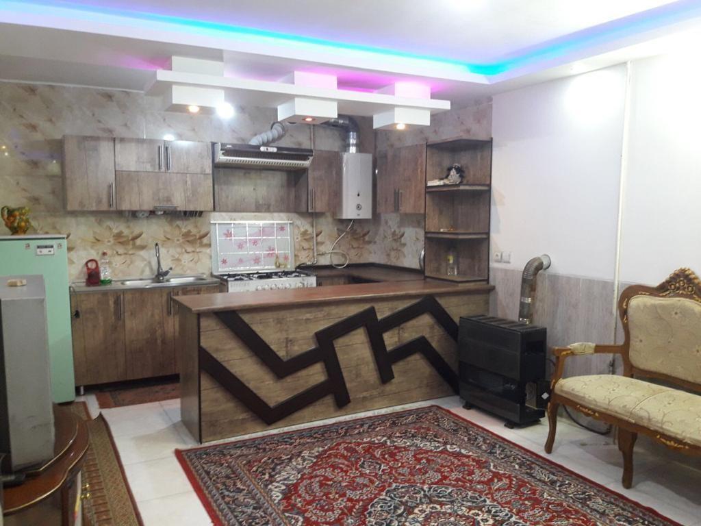 درون شهری سوئیت مبله در لاله شمالی اصفهان