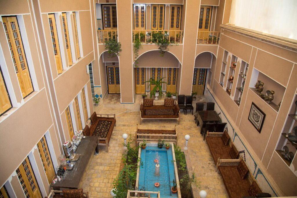 درون شهری هتل الماس دو تخته