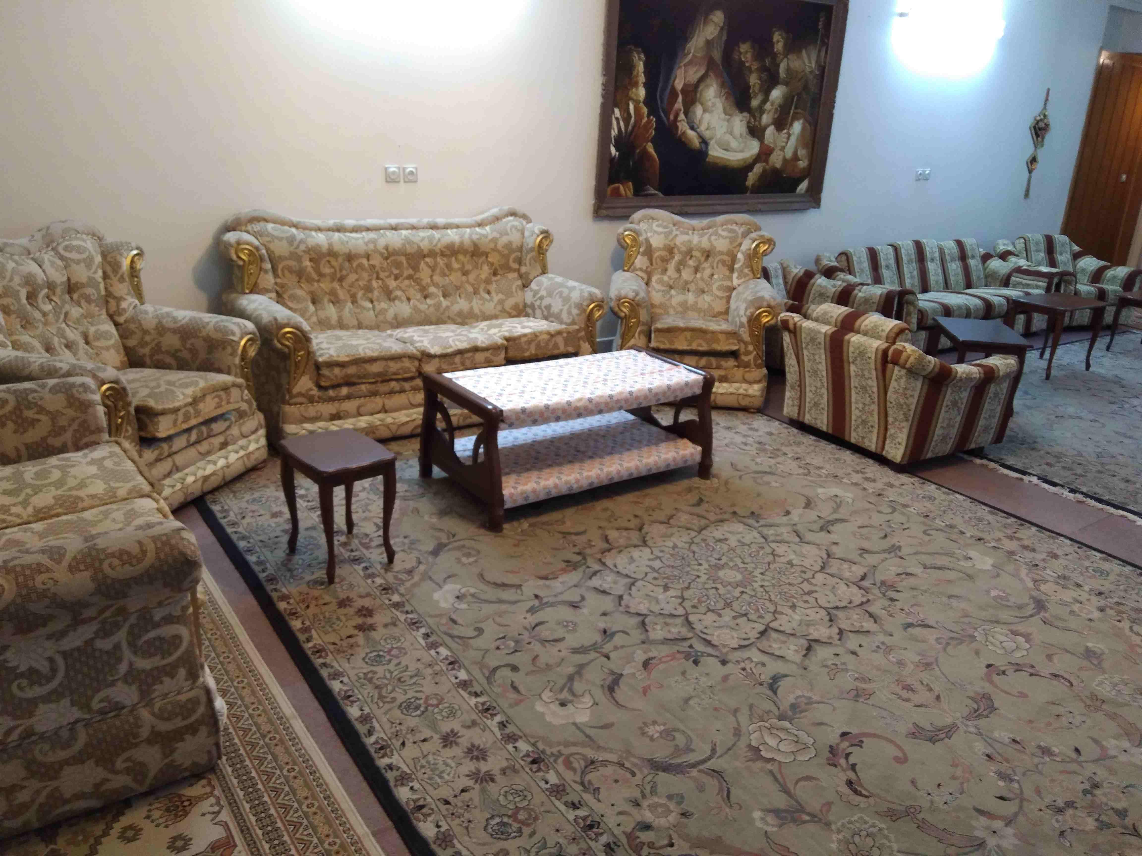 درون شهری خانه مبله لوکس در نشاط اصفهان