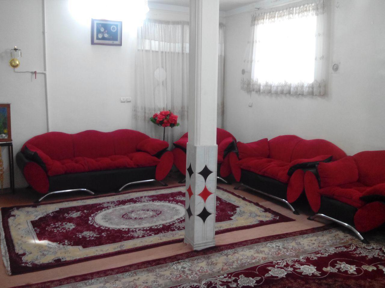 درون شهری منزل مبله تمیز در حصار همدان