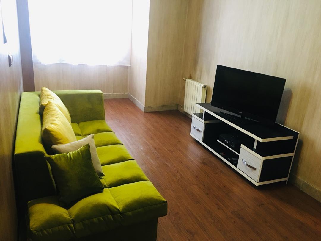 درون شهری آپارتمان مبله شیک وتمیز درشریعتی تهران